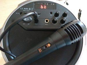 Test de l'enceinte Bluetooth 21W transportable SK-M17 d'Aukey